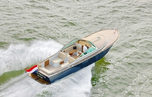 The Long Island Yachts 40 Classic: Quality, Performance, and Value!